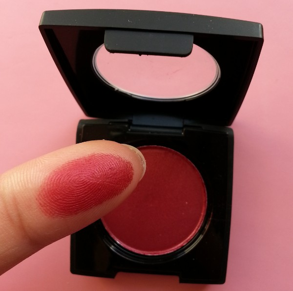 coloressence pearl eyeshadow scarlet red review