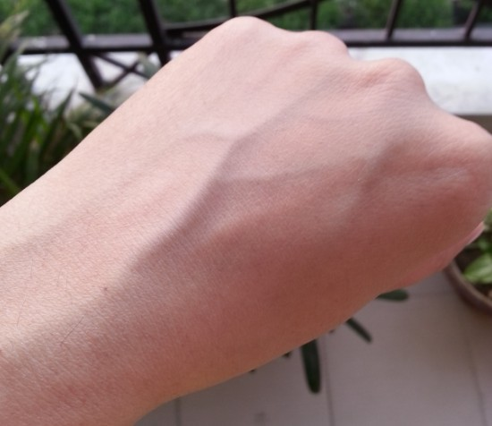 white tone face powder review 6