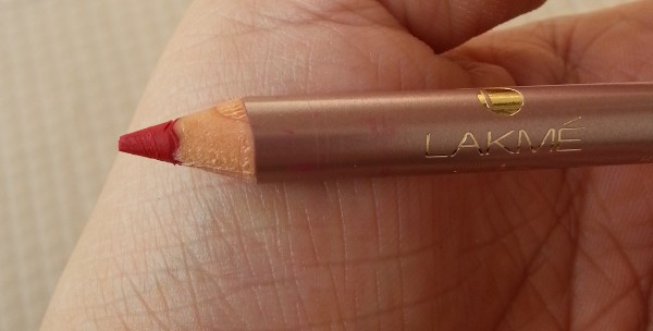 lakme 9-5 lip liner red review 3