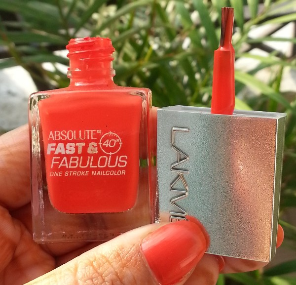 lakme fast & fabulous one stroke nail color 5