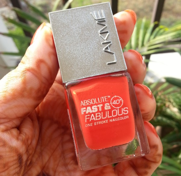 lakme fast & fabulous one stroke nail color