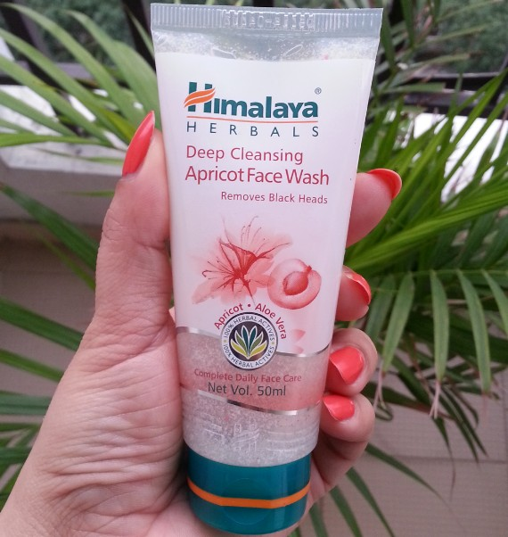 himalaya herbals deep cleansing apricot face wash review