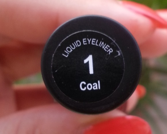 street wear color rich liquid eyeliner review 7