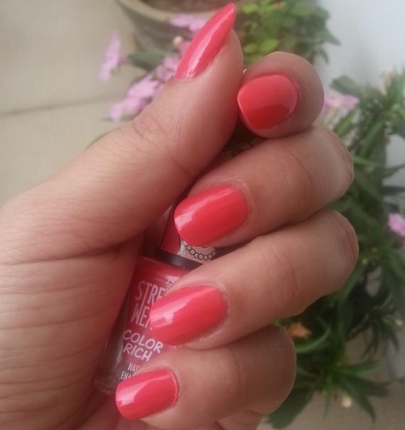 streetwear color rich nail paint fairytale romance 42 review 2