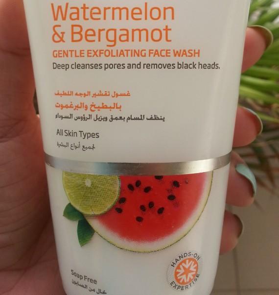 vlcc watermelon & bergamot gentle exfoliating face wash review 1
