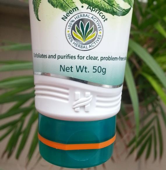 himalaya purifying neem scrub review 5