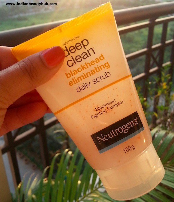 neutrogena deep clean blackhead eliminating daily scrub review 3