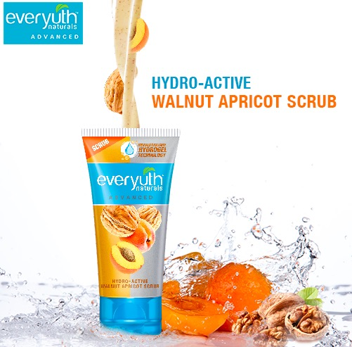 Everyuth Hydro Active Walnut Apricot Scrub price