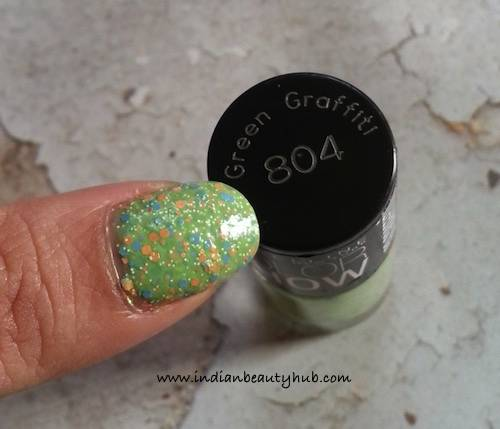 Maybelline Color Show Go Graffiti Green Graffiti Nail Paint Review