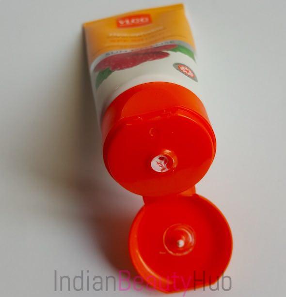 vlcc hydrophobic sun block lotion spf 50 pa+++ review_3