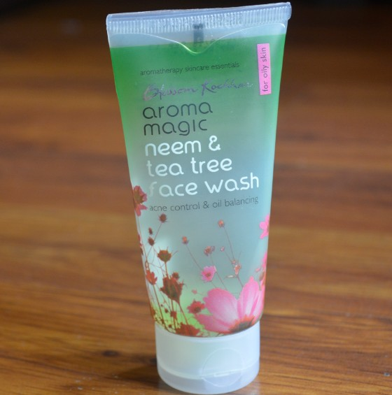 aroma magic neem & tea tree face wash 2