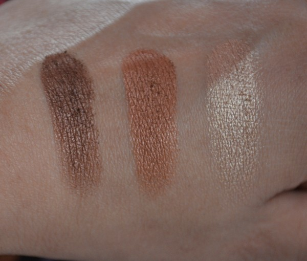 colorbar enchanting trio eyeshadow seductively nuede 2
