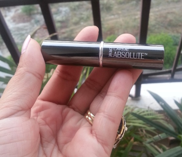 lakme absolute creme lipstick crimson affair