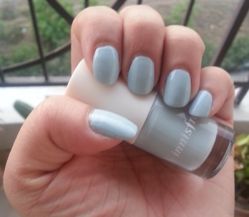 innisfree nail paint shade no.7 review 6