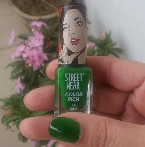 streetwear color rich nail paint emerald eyes 33  review