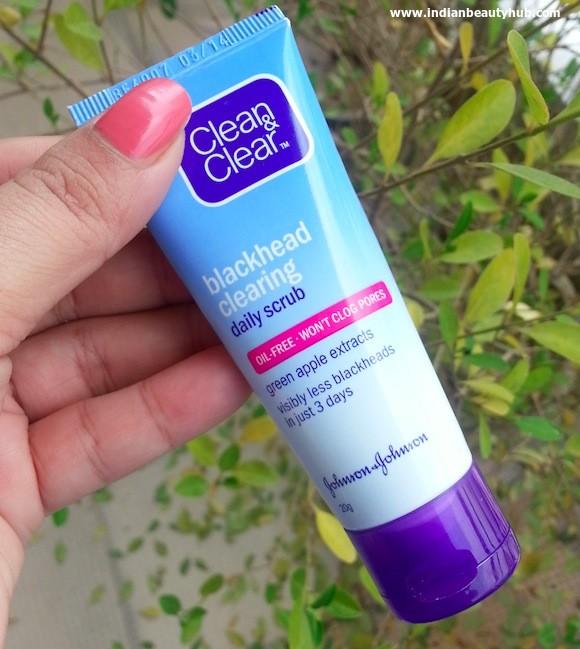 Clean & Clear Blackhead Clearing Daily Scrub Review 4