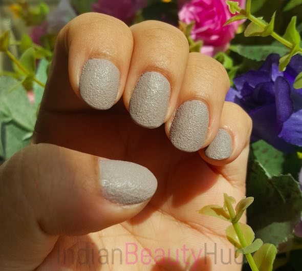 Stay Quirky Nail Paint Review_8