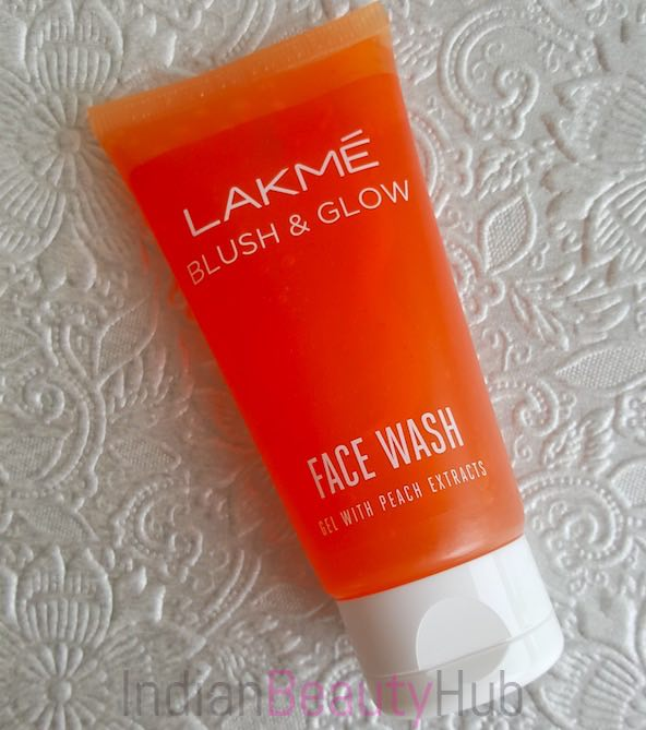 Lakme Blush & Glow Peach Face Wash Review_7
