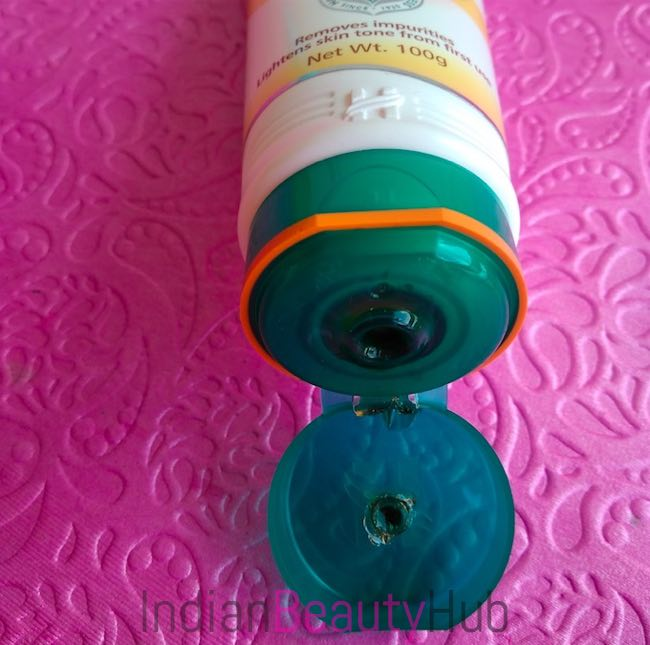 Himalaya Herbals Tan Removal Orange Peel-Off Mask Review_1