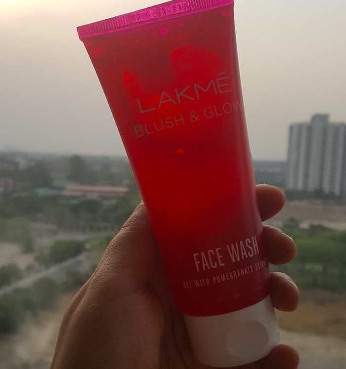 Lakme Blush & Glow Pomegranate Face Wash Review
